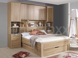 chambre a coucher avec pont de lit lit pont riga 140x190 cm sonoma avec tiroirs chez mobistoxx