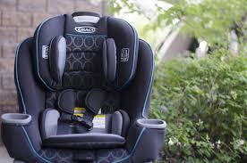 siege auto conseil magasinage bébé conseils pour l achat d un siège d auto je suis