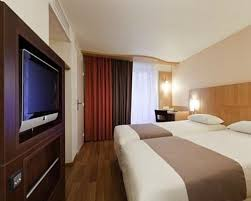 Comfort Hotel Paris La Fayette Ibis Paris Opera La Fayette 3 Star 19 Rue Buffault 75009