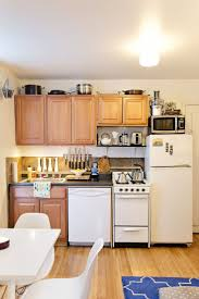 organizing small kitchen 81 best images about small spaces tips u0026 tricks on pinterest