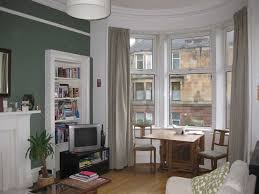 bright double room to let in a cosy tenement flat share southside