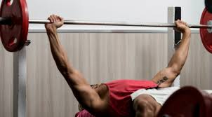 Bench Press Wide Or Narrow Grip Bench Press Tips Choosing The Right Bench Press Grip Muscle