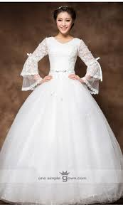 long sleeve white vintage lace ball gown wedding dress