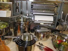 materiel de cuisine comment équiper un restaurant techniques et conseils matériel