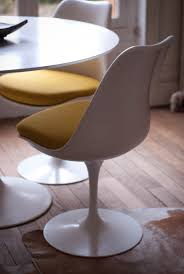 Cushioned Chairs International Chair Tulip Chair Plastic Material Cushioned
