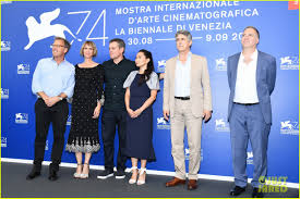 downsizing movie matt damon kristen wiig u0026 hong chau bring u0027downsizing u0027 to venice