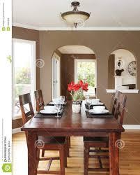 Esszimmer Rustikal Gestalten Esszimmer Farblich Gestalten Home Design