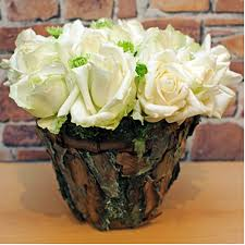 Diy Flower Centerpiece Ideas by Diy Flower Arrangement Ideas 4 Easy Rose Centerpieces For Your Table