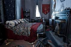 gryffindor bedroom gryffindor boys dormitory hogwarts harry potter and harry