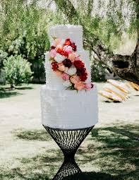 wedding cake pinata breaks piñata instead of wedding cake
