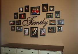 ideas for displaying photos on wall 78 30 family picture frame wall ideas displaying pictures