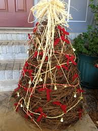 Decorating Grapevine Wreaths For Christmas by 62 Best Grapevine Trees U0026 Things Images On Pinterest Christmas