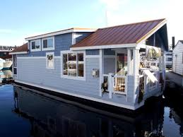 Sleepless In Seattle Houseboat by Houseboat Houseboat Models Houseboat Design Floating Home