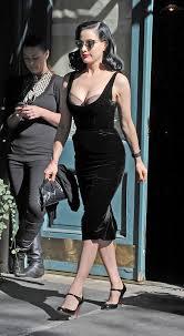 dita von teese photos photos dita von teese shows off her bra in