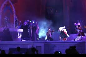 disney villain halloween show at the magic kingdom with meet and