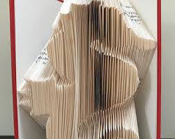 paw prints book folding pattern diy gift for book art