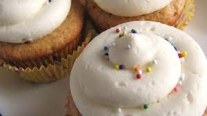 Buttercream Frosting For Decorating Cupcakes Pin By Cassidi Stewart On Sweet Tooth Pinterest Buttercream