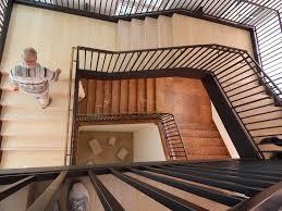 treppen m nchen zusammenspiel aus alten und neuen treppen im lenbachhaus in