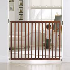 Baby Gate Stairs Banister Amazon Com Munchkin Extending Wood Wide Baby Gate Dark Wood Baby