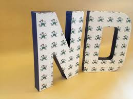 notre dame wrapping paper 81 best notre dame fightin images on fighting
