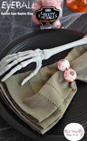 fun creepy eyeballs bubble gum napkin ring for halloween with kids