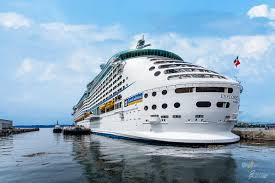 explorer of the seas the largest cruise ship to ever visit