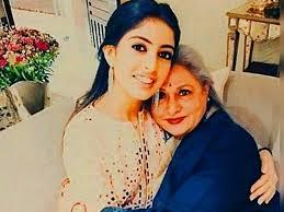 Jaya Bachchan Hot Pics - this picture of navya naveli nanda and jaya bachchan is too cute
