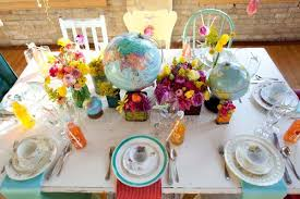 themed tablescapes let s fly away together travel theme wedding ideas