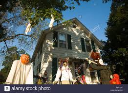 illinois dixon ghoulish halloween decorations in front yard of