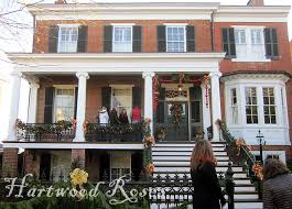 decorating historic homes hartwood roses sunday snapshot fredericksburg christmas porches