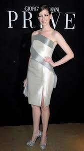 anne hathaway nude pic anne hathaway has long legs and i love her sexy high heels only