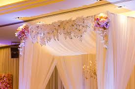 wedding arches toronto chic city wedding in toronto toronto ceremony arch and strictly