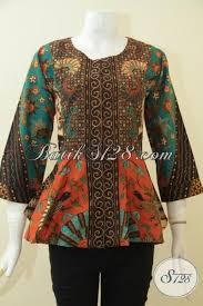 Desain Baju Batik Halus | blus batik modern desain tanpa kerah pakaian batik elegan motif