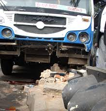 crashed white jeep pics accidents in india page 273 team bhp