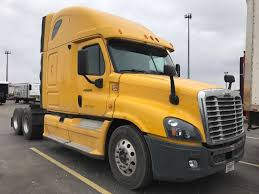 kenworth dealers in michigan used sleeper tractors for sale in mi penske used trucks
