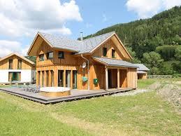 jacuzzi bois exterieur pour terrasse beau chalet en bois avec spa en interne et un jacuzzi extérieur