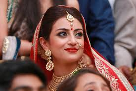 60 Best Indian Bridal Makeup Tips For Your Wedding 16 Best And Very Talented Bridal Make Up Artists In Delhi