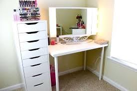 Homemade Makeup Vanity Ideas Desk Corner Vanity Table With Lights Visit Diy Master Closet 008