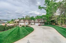 Overhead Door Hickory Nc by Waterfront Homes For Sale On Lake Hickory
