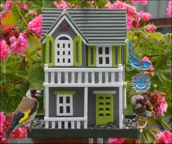 wooden bird feeder 15 steps with pictures