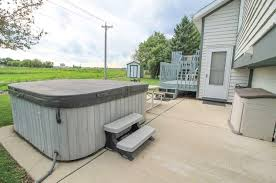 Backyard Bar And Grill Fond Du Lac by 816 S Pioneer Parkway Fond Du Lac Wi 54935 Mls 50169922