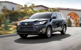 nissan pathfinder vs toyota highlander comparison toyota highlander le 2017 vs toyota harrier