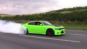 charger hellcat burnout dodge charger hellcat insane burnout accelerations youtube
