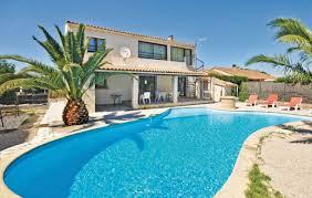 location maison 4 chambres location avec piscine privée miramas maison 9 personnes ref