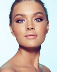 maquillage mariage yeux bleu comment agrandir ses yeux grâce à 6 astuces maquillage bien habillée