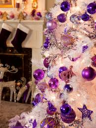 retro inspired purple and white decorations diy