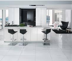 cuisine sol blanc cuisine bois et blanc laqu cuisine blanc laqu et bois with