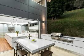 cuisine d été design aménager une cuisine d été avec coin relax dans le jardin