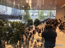 apple u0027s new chicago flagship store is more than an architectural