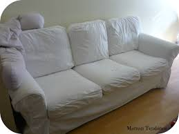 housse canapé blanc comment nettoyer un canapé en tissu maman tendance